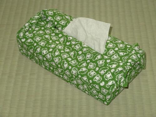 日本手ぬぐいでティッシュカバーの包み方